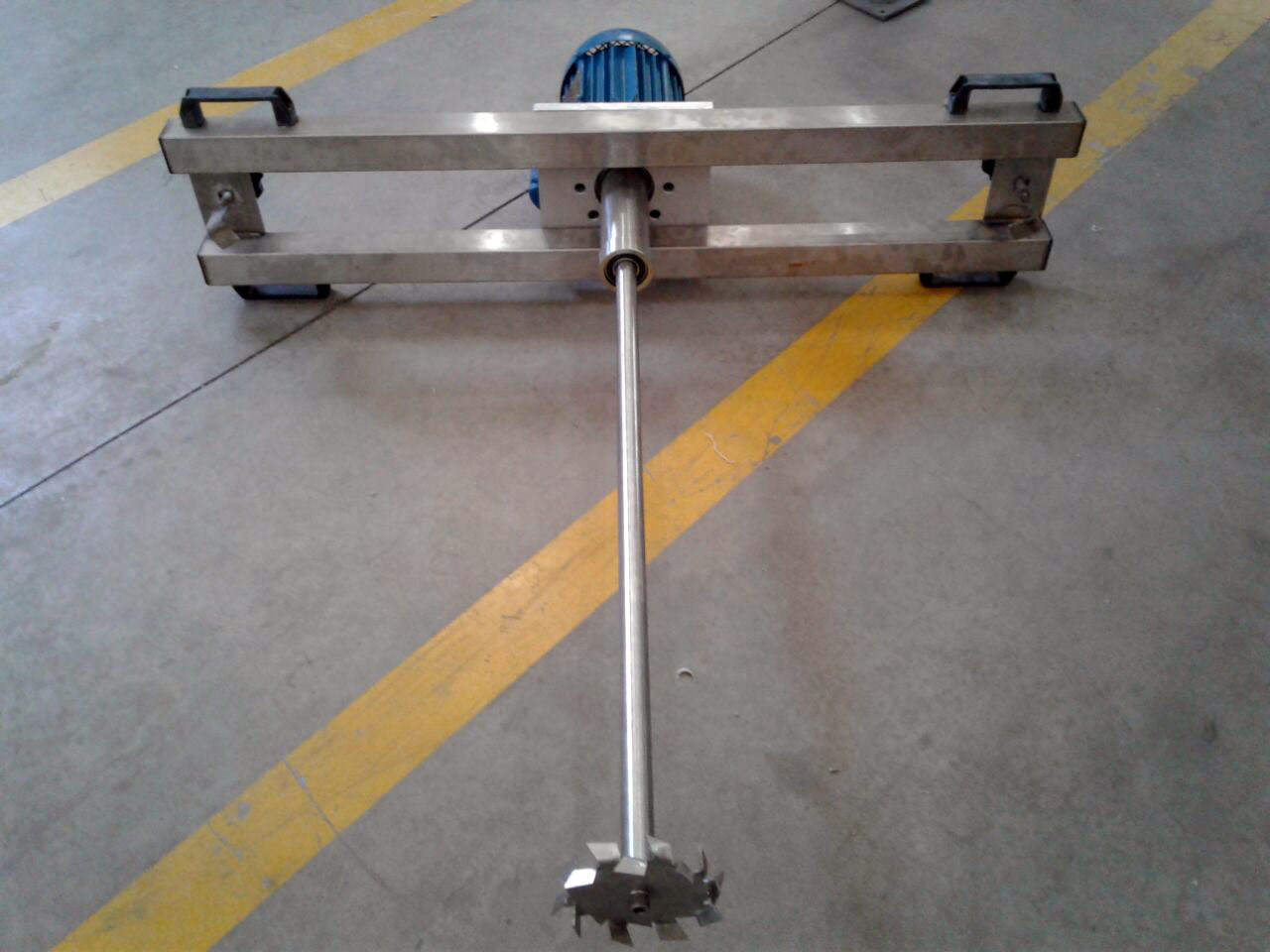 Misturador IBC em aço inox para 1000 litros.