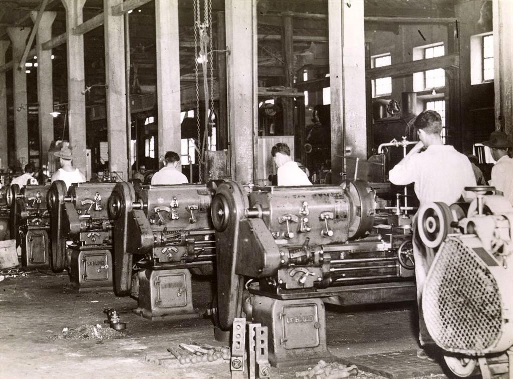 Indústria nos anos 50, fordista.